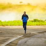 Caminar media hora en la mañana tiene muchos beneficios