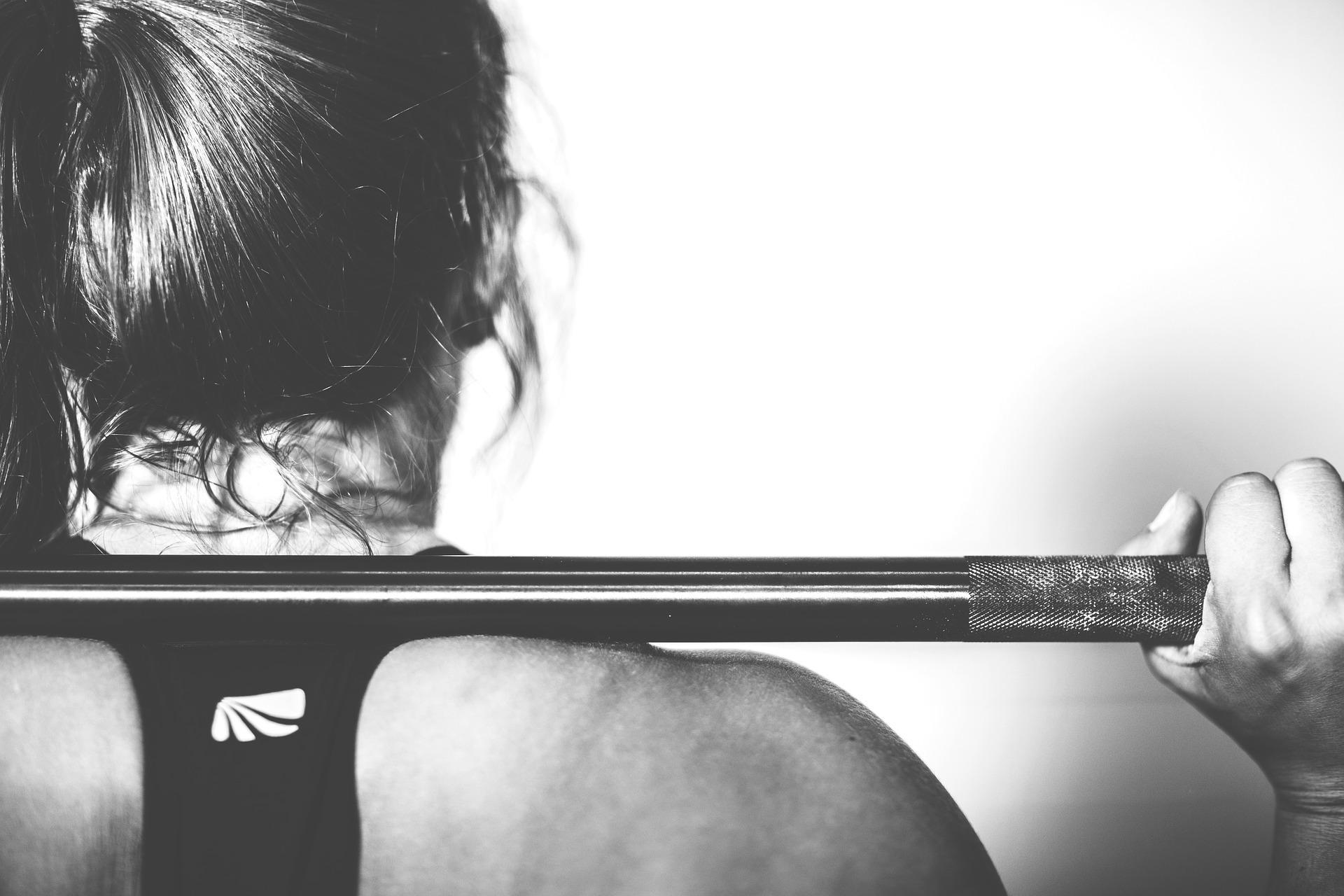 Razones saludables para entrenar con pesas