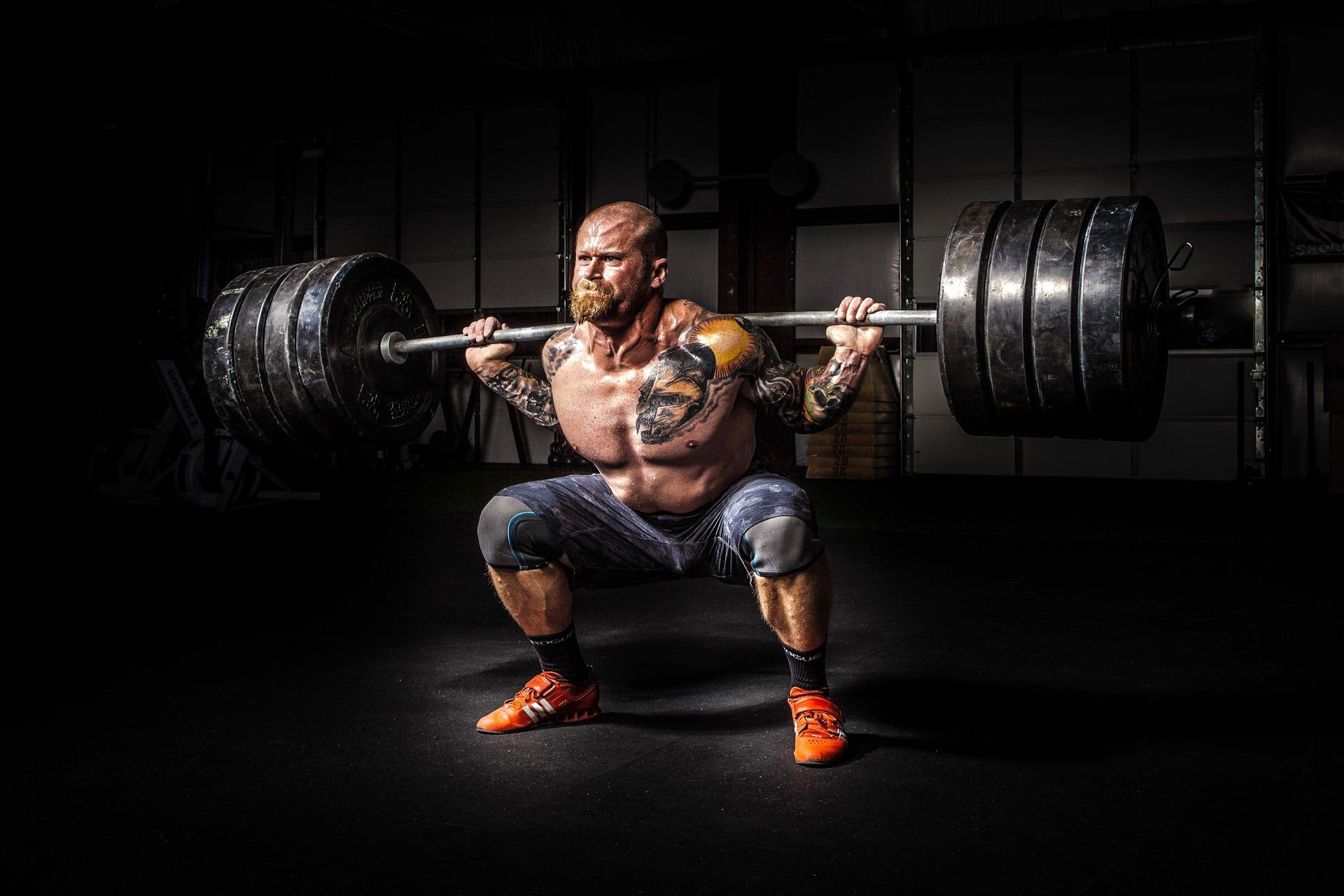 Consejos que debes seguir para aumentar tu fuerza y masa muscular