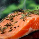 ¿Cuánta proteína consumir para ganar músculo o perder grasa?